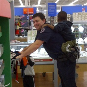 22 Annual Shop with a Cop in Conway_489516664881301424