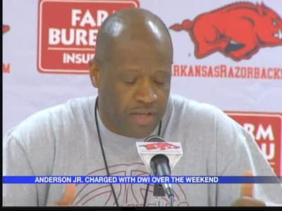 Son of Arkansas' Anderson arrested for DWI_1072927508527992683