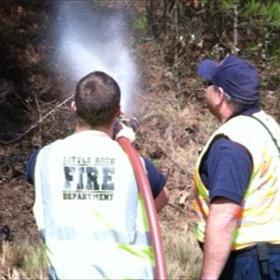 LRFD battles fires along I-430_4358386529623493211