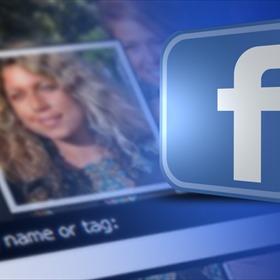 Facebook Facial Recognition _2208011065668029303