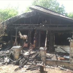 Car crashes into house_-9025535349927951568