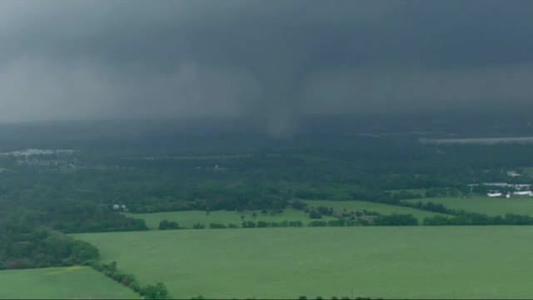 CNN_ Tornado touches down in Dallas_8223343013400168395
