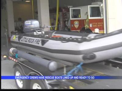 Emergency crews say boats are ready for rescues_620410808968757406