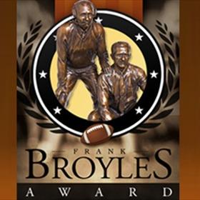 Broyles Award_1220401732364683014