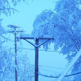 Snow on power lines_5233025542683643896