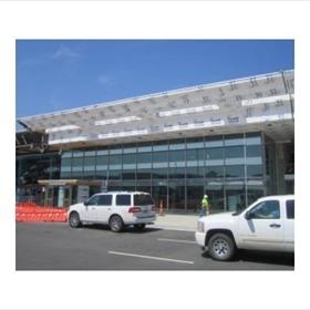 Bill & Hillary Clinton National Airport entrance_-7620264502982588066