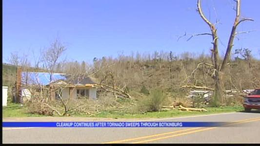 9-Year-Old Takes Walking Tour Through Tornado Ravaged Home_5789756663043346020