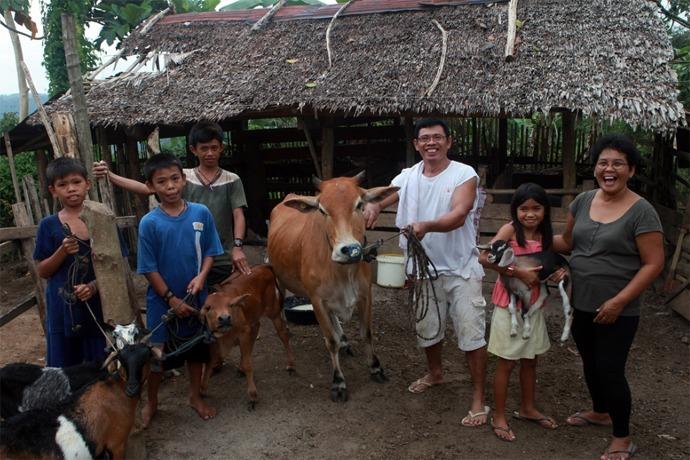Heifer International in the Phillippines_1978499059178293189