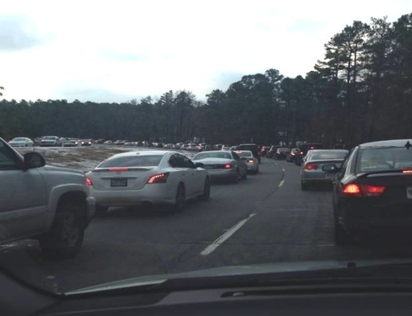 Long line of traffic on Maumelle Blvd._5065327296385336684