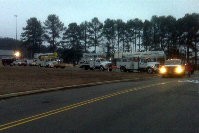 Entergy Trucks Driving_3879052638133308604