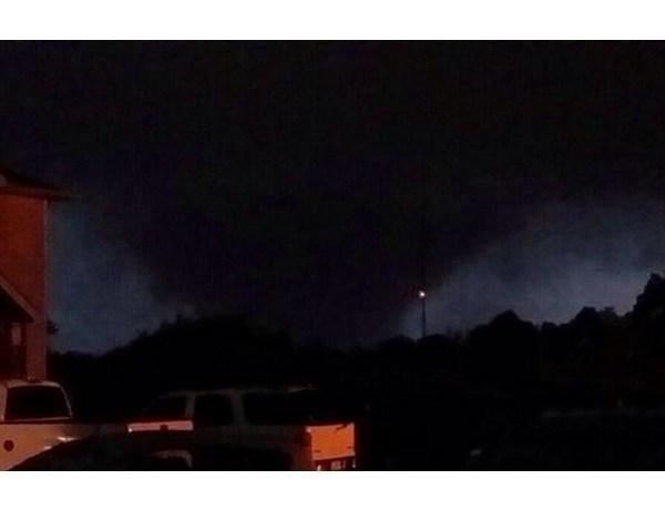 Tornado_-6089316386443278738