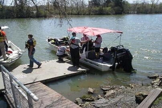 Crews Search for Missing Lake Dardanelle Fishermen_-4883507365027755235