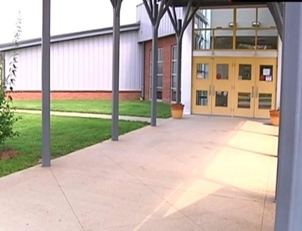 Elkins school security_1114625993551924036