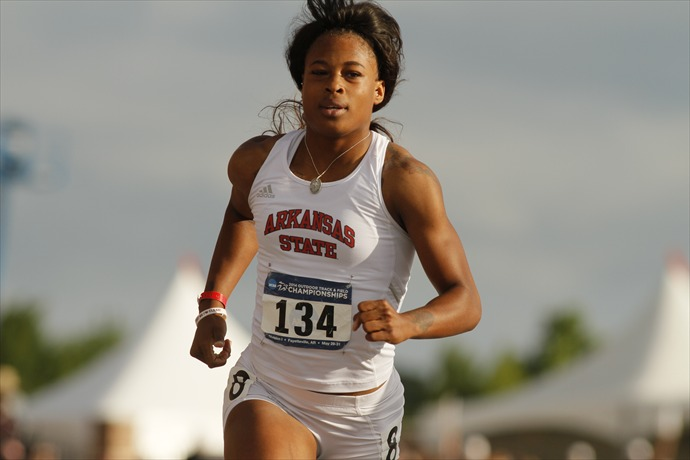 NCAA West Track and Field Preliminaries May 30, 2014 at John McDonnell Field in Fayetteville, AR. ©Justin Manning_437616556496146244