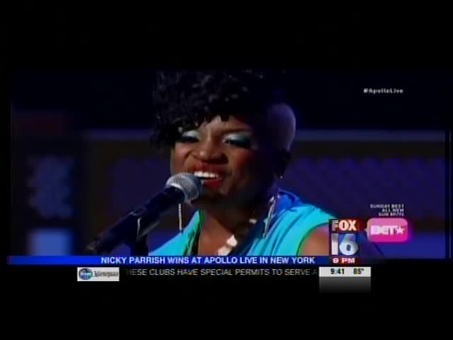 Little Rock Woman Wins at the Apollo_2081411464304412454