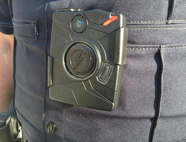 Police officer camera_1480964872467466314