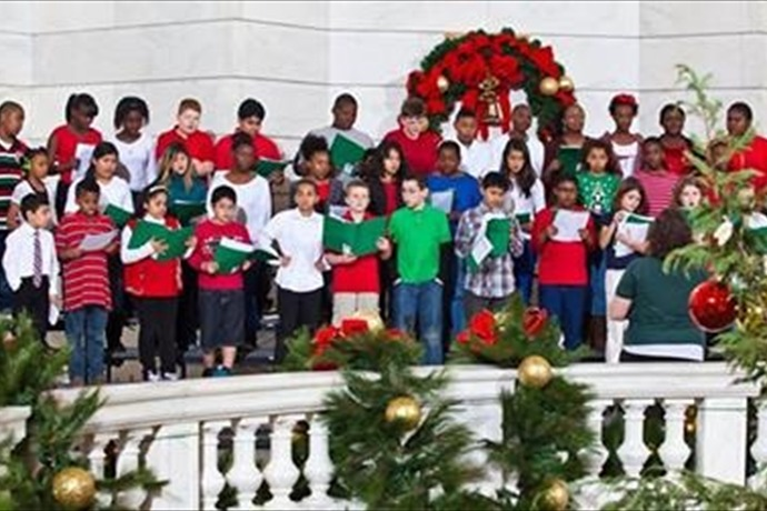 School choir performs at _Sounds of the Season__-4684188726273291986