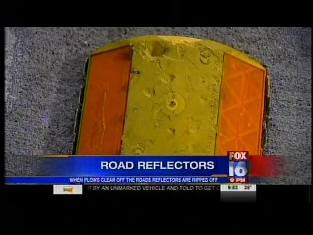 Road Plowing Scraps Road Reflectors_-8969250975317671378