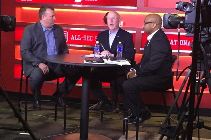 Bielema talks signing day on ESPN2._-5782135431731656009