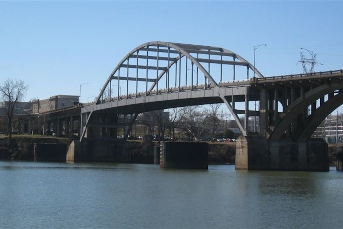 Broadway Bridge_1280749706012151598