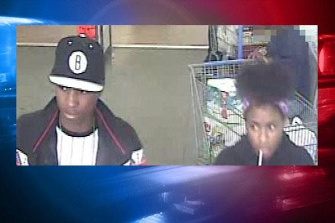 Jacksonville Police looking for these two in a credit card theft case._5993759034949913839
