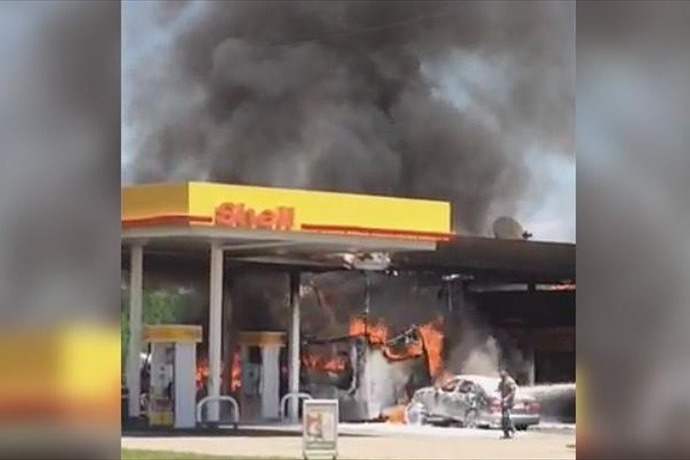 Hazen Gas station goes up in flames _-7528276796773545704