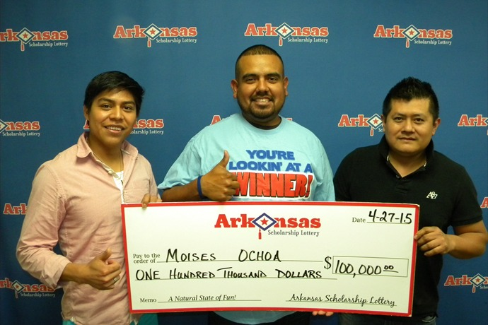 Lottery winner Moises Ochoa (in the blue t-shirt) along with his friends Benito & Luis._-2121908689997248257