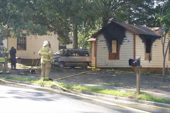 House fire in Little Rock, 4700 block of W. 24th St._2927098502264996274
