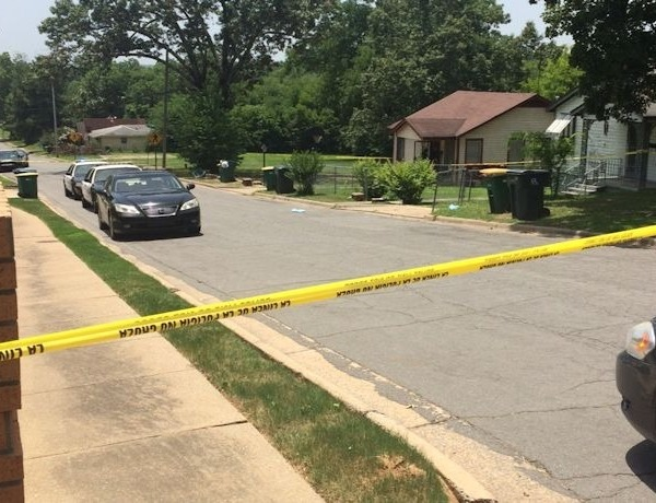 Fulton Street shooting scene in Little Rock_-8372188346988543628