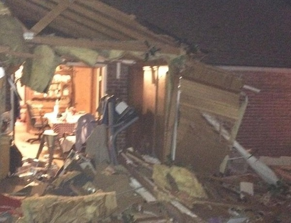 Springdale home hit by big rig on Falcon Road._-5082000938849844257
