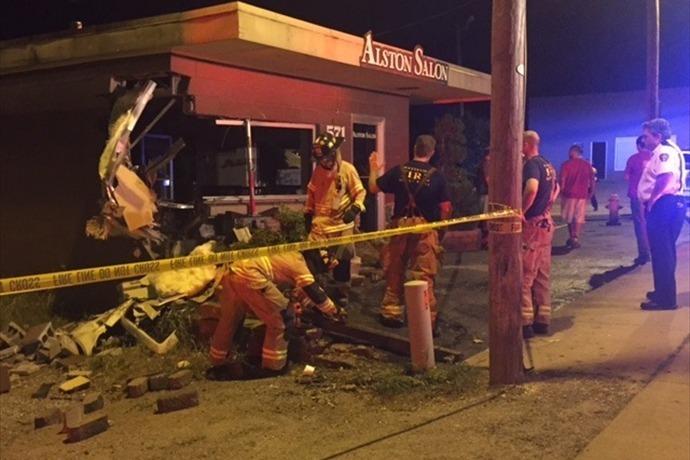 Fayetteville salon damaged by car_1375527904264668324