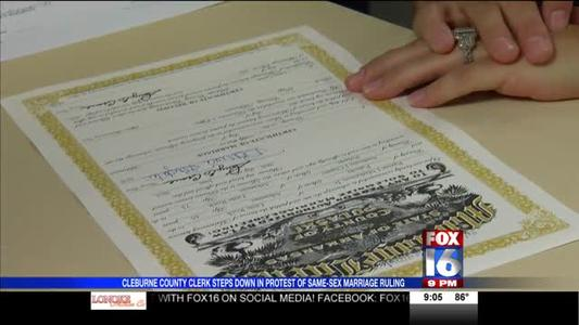 Most AR Clerks Issuing Same-Sex Marriage Licenses, Some Bal_-8145988714466883731