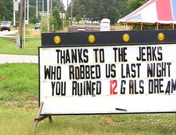 Sign after fireworks stolen from Fayetteville girls softball team_5588416416564201532