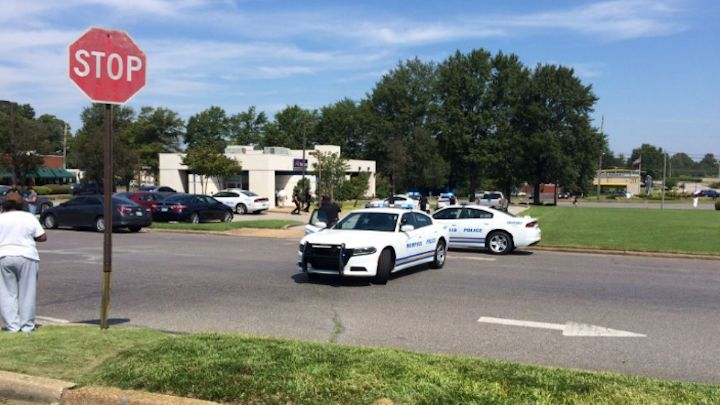 Memphis shooting scene where security guard was injured during bank robbery