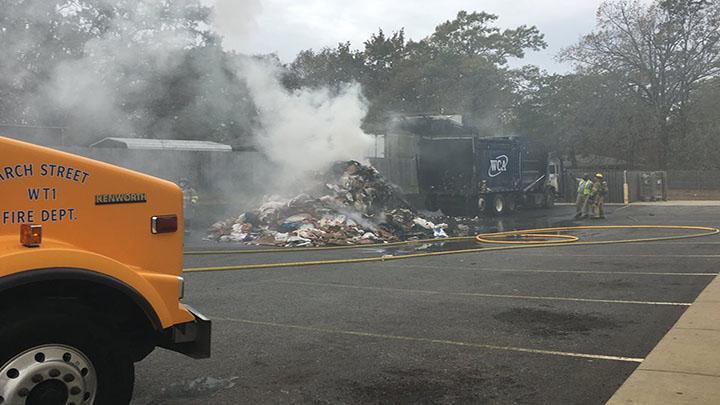 Garbage Truck On Fire_1_1510777007620.jpg