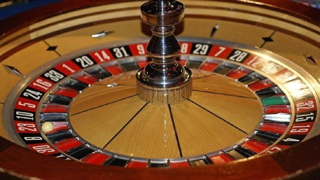 Casino gamling roulette wheel_24838474_20553227_ver1.0_640_360_1532558123038.jpg.jpg