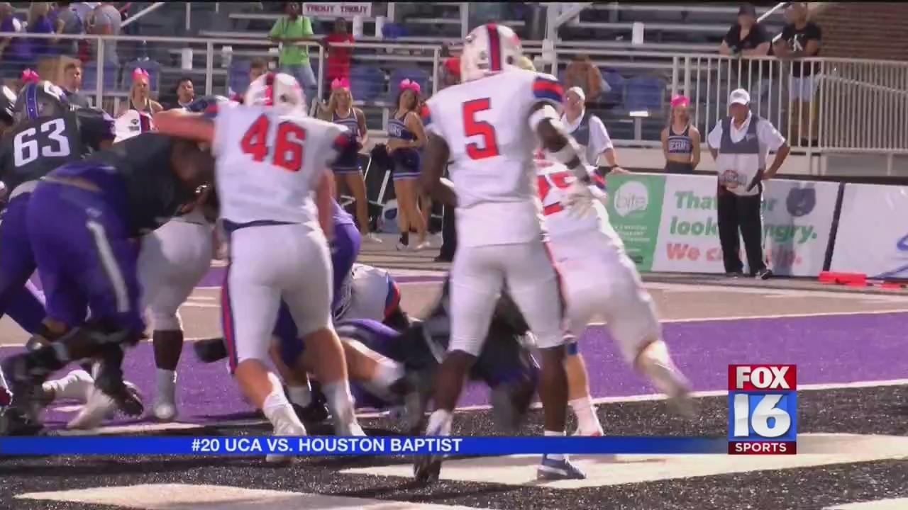 UCA smokes Houston Baptist 66-35