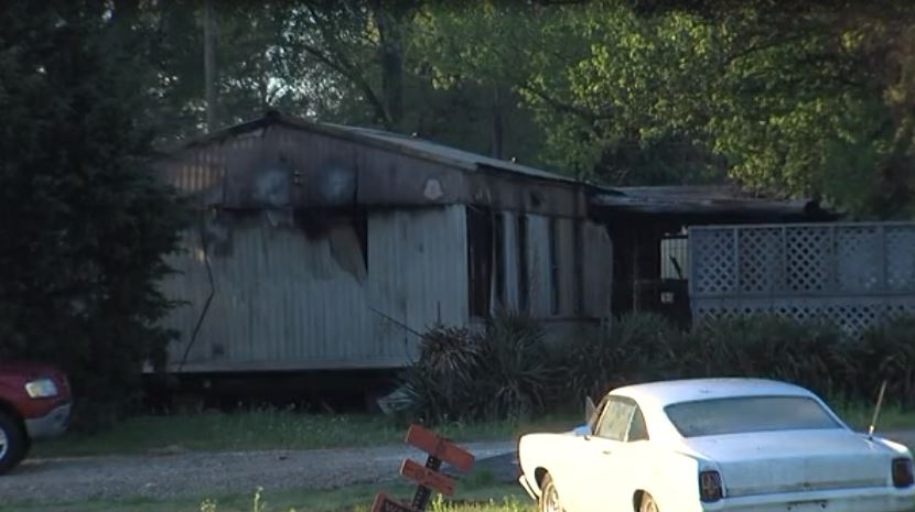 Burned mobile home in Earle_1555341319084.JPG.jpg
