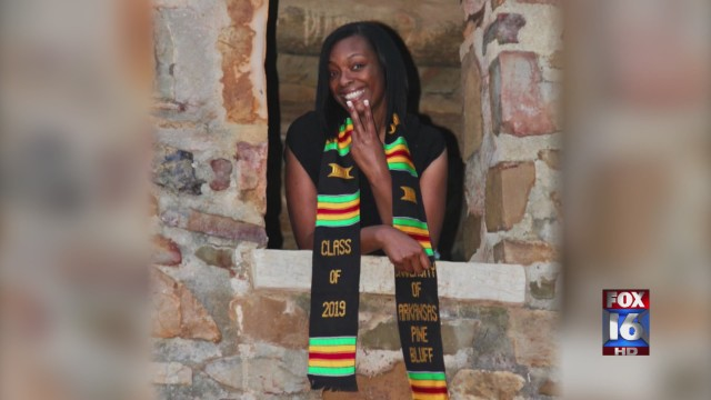 Single mother, diagnosed with multiple diseases graduates 14 years later with 4.0 GPA
